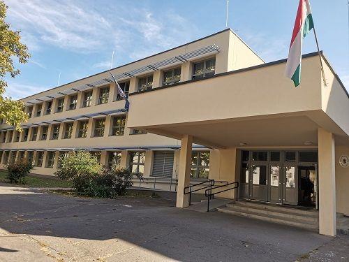 Borító kép a Debreceni SZC Beregszászi Pál Technikum intézményről