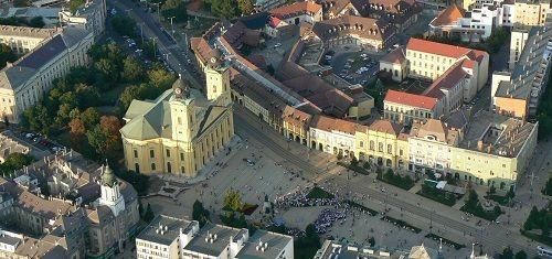 Borító kép a Debreceni SZC Bethlen Gábor Közgazdasági Technikum intézményről