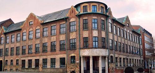 Borító kép a Debreceni SZC Vegyipari Technikum intézményről